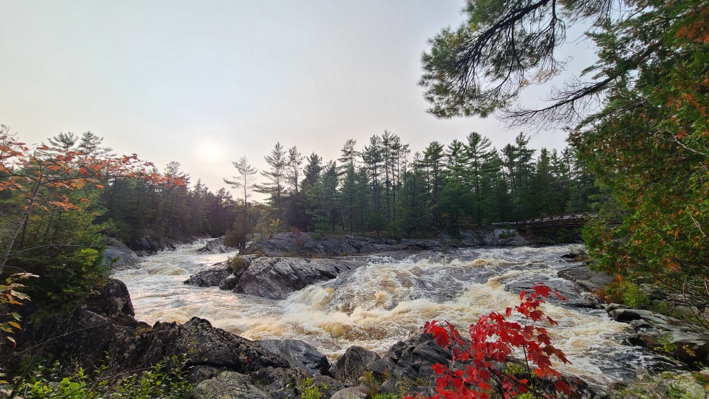 Perhaps the most stunning part of the trail, the convergence of the two halves of the river lead into the Seven Sisters Rapids. The Raw strength of the flowing water is an impressive sight.