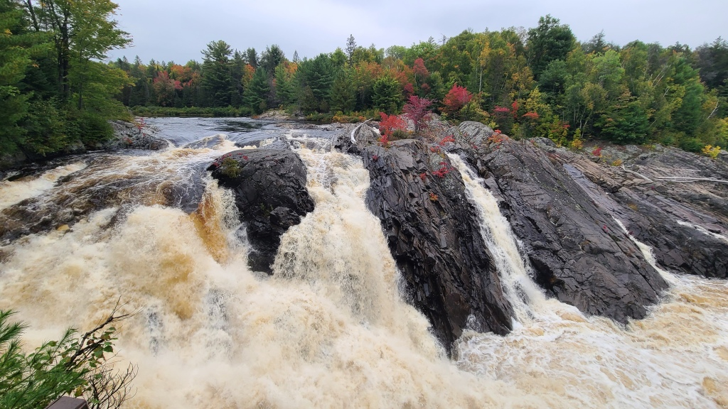 The main falls are an awe-inspiring sight, and a short walk from anywhere in the park.